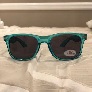Accessories - NEW UV protected sunglasses